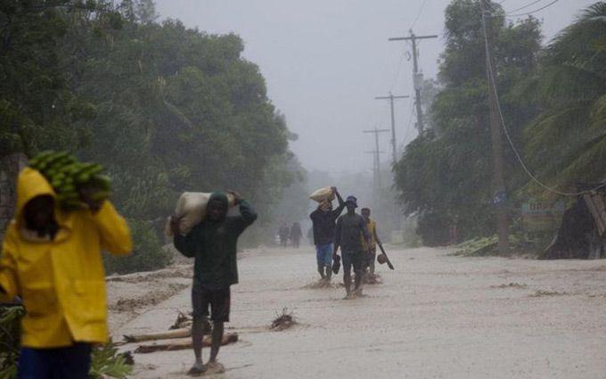 Смертоносний ураган на Гаїті: з'явилося вражаюче відео наслідків
