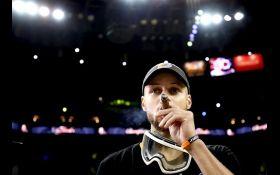 Чемпион НБА забросил трехочковый в автомобильный люк