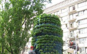 У Києві розвалили інсталяцію, встановлену на місці пам'ятника Леніну: з'явилося фото