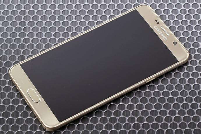Сотрудник Samsung рассказал о флагманском Galaxy S7