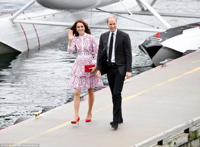 Кейт Міддлтон вразила канадців сукнею кольорів прапора від McQueen: з'явилися фото (1)