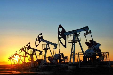 Через надлишок пропозиції дешевшає нафта