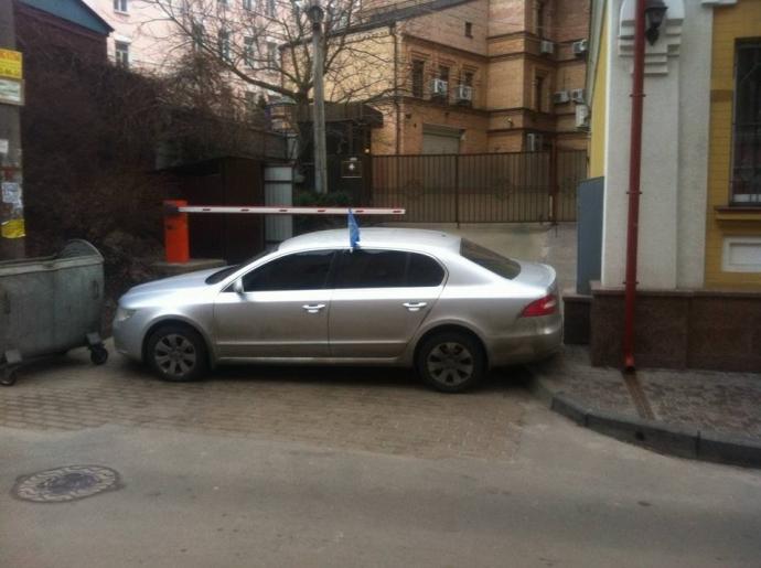 Дело Насирова: по судом блокада и акция протеста, онлайн-трансляция (1)