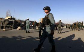 В Афганистане подорвался террорист-смертник у крупнейшей авиабазы США