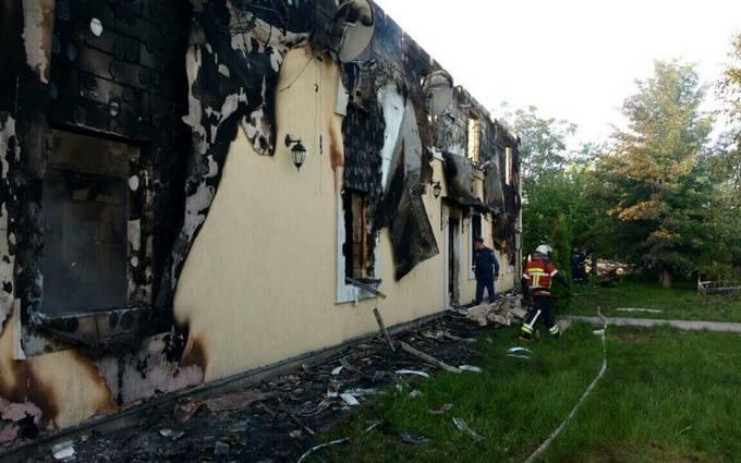 Пожежа в будинку для літніх людей під Києвом, є загиблі: з'явилися фото