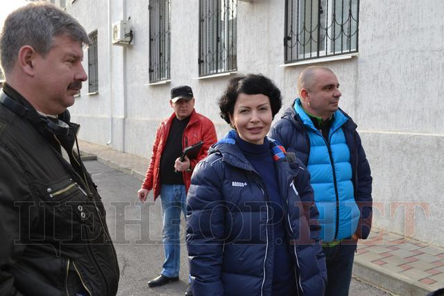 Сестра Савченко пристыдила автора фейка о распятом мальчике: опубликованы фото (2)