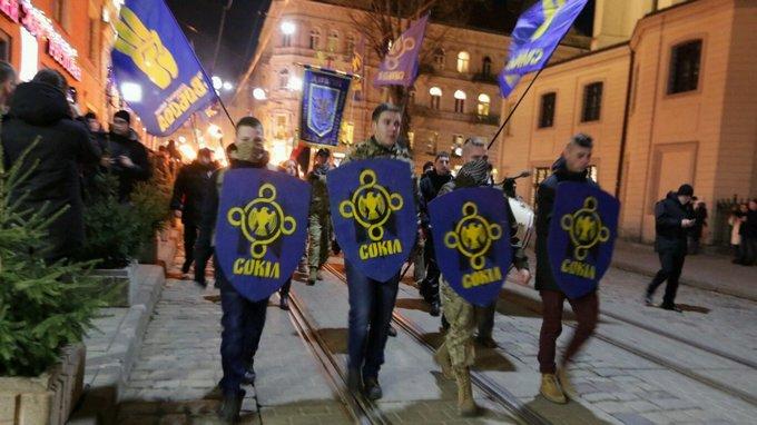 День рождения Бандеры отметили по всей Украине: появились фото и видео (8)