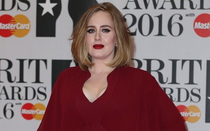 Певица Адель получила четыре премии Brit Awards