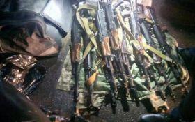 Задержан военный с партией оружия, из которого собирались пострелять в центре Киева: опубликованы фото