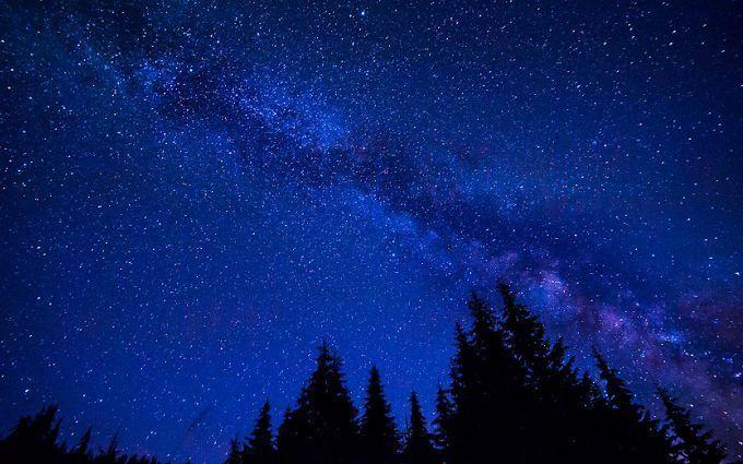 Ученые сфотографировали две галактики, которые разрывают друг друга на части - впечатляющая фотография