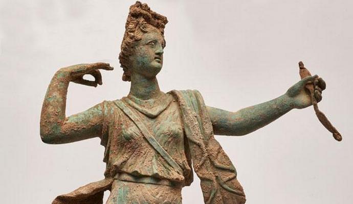 На Крите раскопали скульптуры античных богов