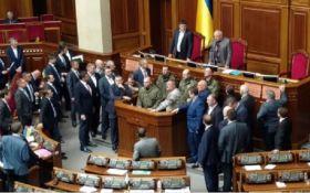 Силовики в Раді: соцмережі збуджені інцидентом в парламенті України