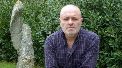Скульптор из Испании научился мять камни как пластилин (1)