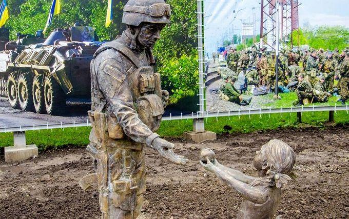 У Дніпрі вандали понівечили зворушливий пам'ятник бійцю АТО: з'явилося фото