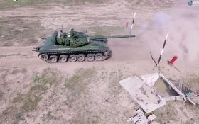 Порошенко объявил об отправке новых танков в зону АТО: появилось видео