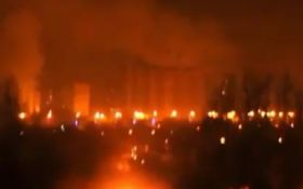 У Донецьку стався гучний вибух і загорівся ринок: з'явилися фото