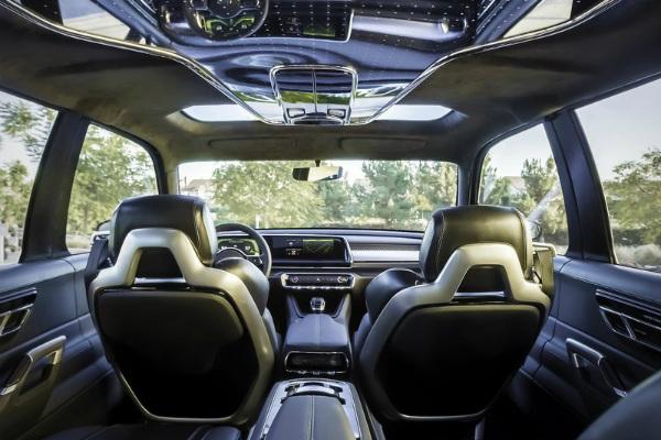 Компанія Kia показала концепт повноприводного вседорожника Telluride (9 фото) (5)