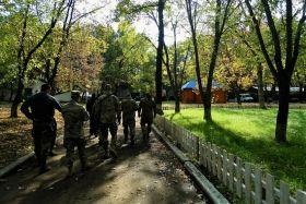 Бійці Яроша показали, як живуть і тренуються стріляти: опубліковані фото