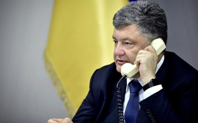 Порошенко звинуватив мера Львова в сміттєвій політиці
