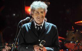Знаменитий американський співак все-таки отримав Нобеля