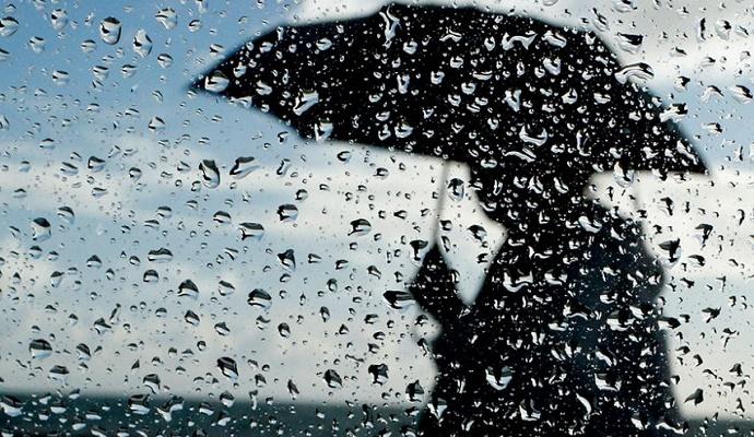 Погода в Украине на сегодня: сильные дожди на западе, температура днем от +2 до +12