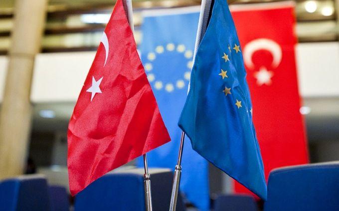 Туреччина вирішила радикально домагатися скасування віз з ЄС
