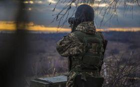 Бойовики продовжують гатити з забороненої зброї: штаб АТО оголосив втрати
