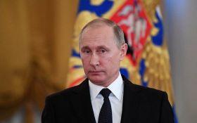 Подарок Путину: аналитики объяснили, для чего в России хотят переписать конституцию