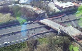 В Италии обвалился мост, есть погибшие: появились фото и видео