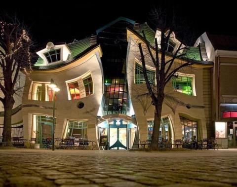 Сказочный Кривой дом в Польше (6 фото) (2)