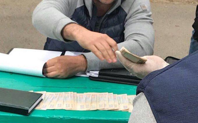 «Косит вирус взяточничества»: стало известно озадержании 2-х чиновников