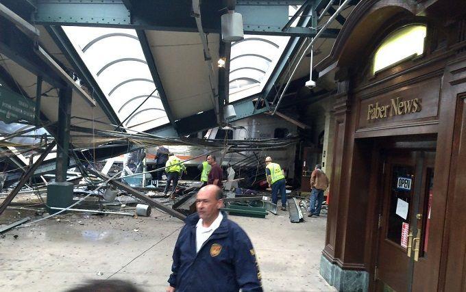 У страшній ДТП з потягом у США загинули люди: з'явилися фото і відео