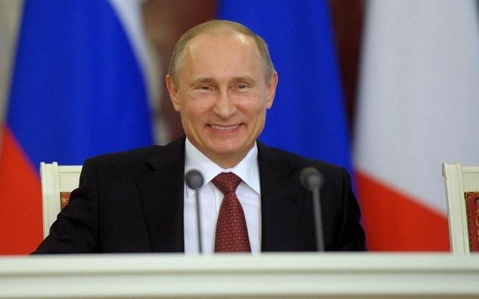 Робот-Пушкін, який зустрічатиме Путіна, розірвав соцмережі: з'явилося відео