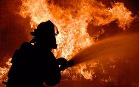 На військовій базі в Балаклії відбулася пожежа, чути вибухи