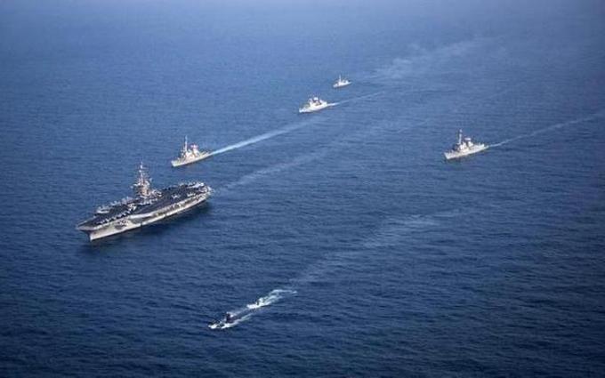 Военный крейсер США протаранил рыболовецкое судно вЯпонском море