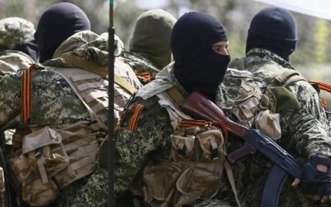 Бойовики ДНР обстріляли автобус з пасажирами, поранена жінка