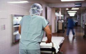 Спалах кишкової інфекції в Криму: людей не приймають в лікарні