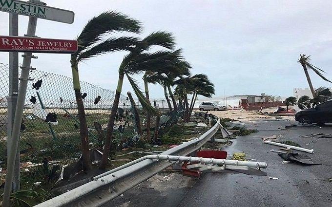 """Трамп сообщил о катастрофических последствиях урагана """"Мария"""""""
