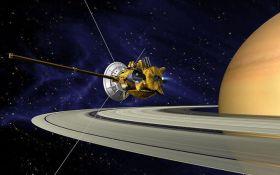20 лет в космосе: опубликовано 11 лучших фотографий от аппарата Cassini, появилось яркое видео