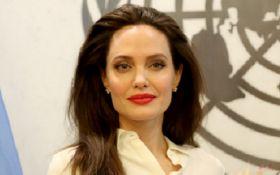 Анджелина Джоли говорит о сексуальном насилии со своими детьми