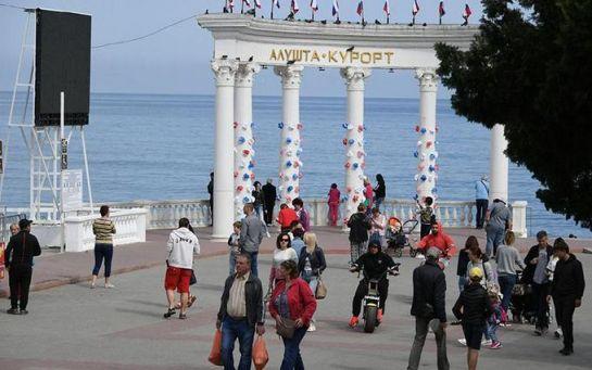 Быстро мнение поменяли - крымчане бьют тревогу из-за шокирующего решения оккупантов