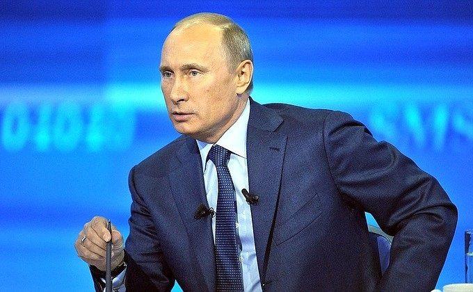 За неделю рейтинг Путина упал до уровня 2013 года