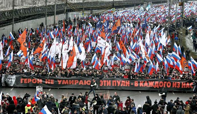 Российские оппозиционеры организовывают марш памяти Немцова