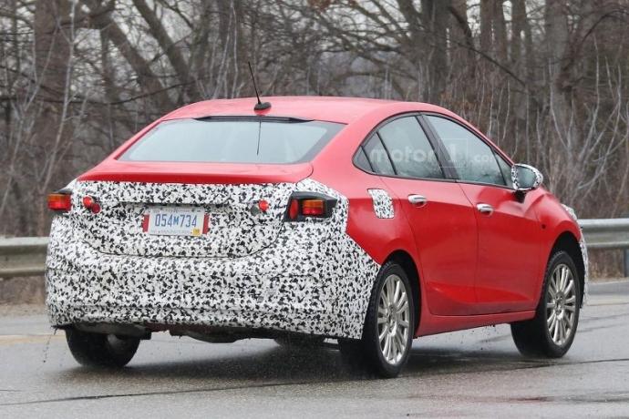 Компанія Chevrolet вивела на тести гібридний Cruze (5 фото) (4)