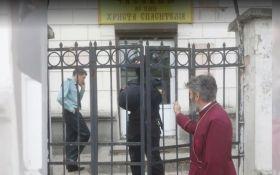 Силовые подразделения оккупантов разгромили храм УПЦ-КП в Симферополе