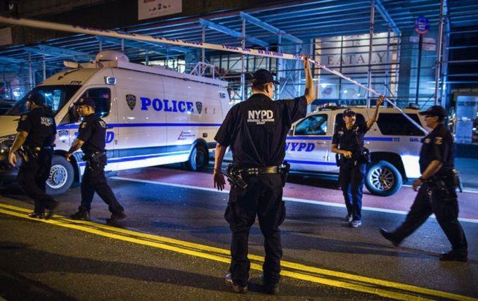 У Нью-Йорку стався вибух, десятки поранених: з'явилися фото і відео