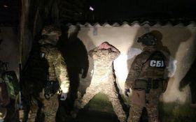 Задержание военного, который хотел устроить ад в Киеве: СБУ выложила видео и новые фото
