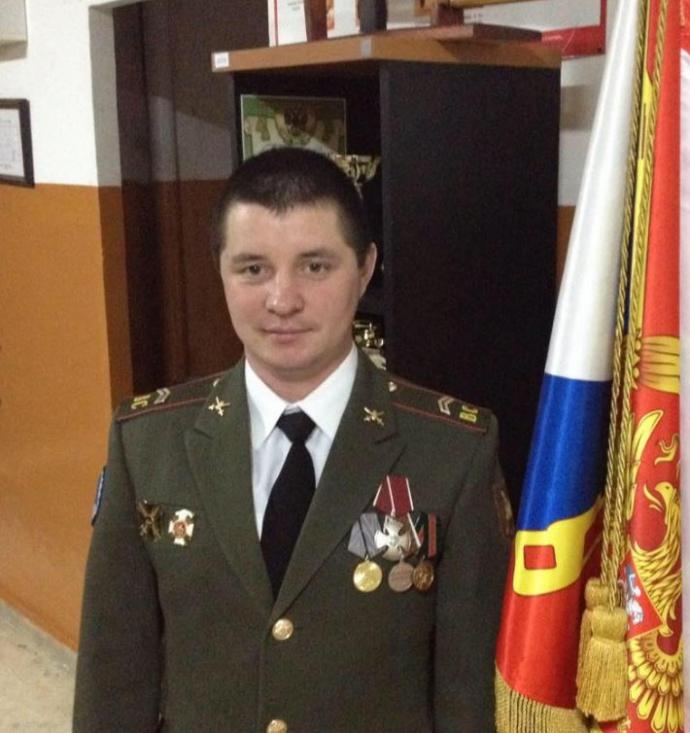 Двоє солдатів Путіна отримали нагороди за війну на Донбасі: опубліковані фото (8)