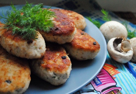 Куриные зразы с грибами (видео)