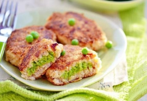 Рыбные зразы с зеленым горошком